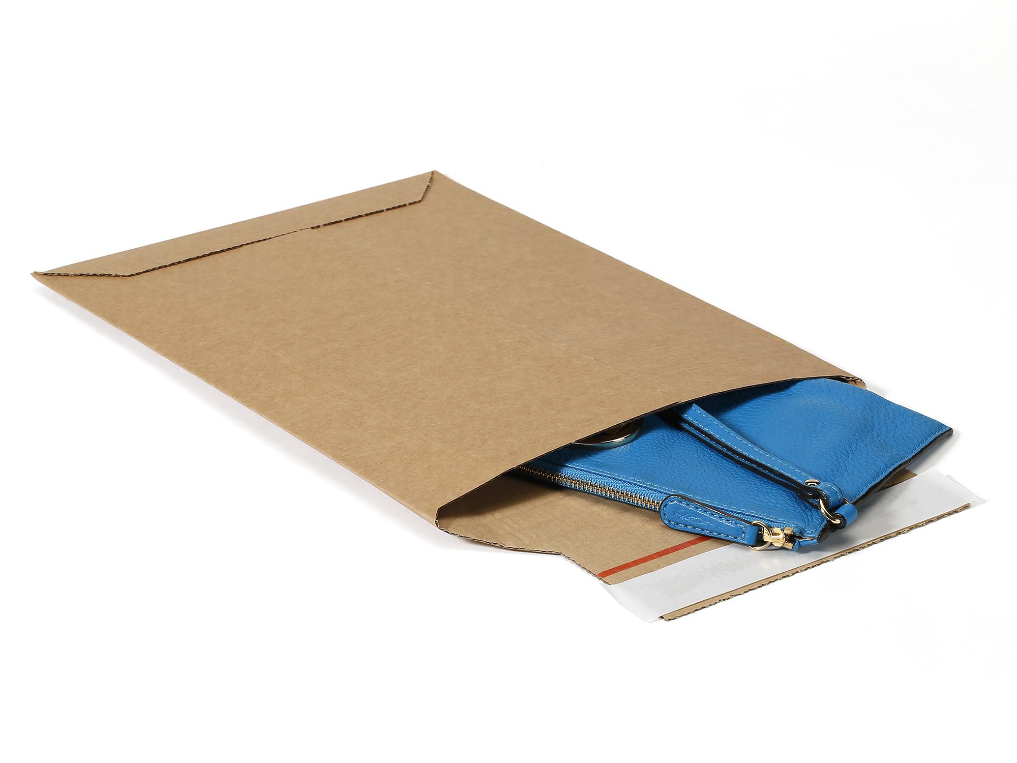 Versandtasche aus Wellpappe
